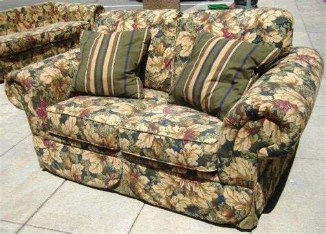 floral couch and loveseat flower couch loveseat pattern and earth tones plus big