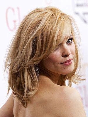 all over layers rachel mcadams medium hairstyle all over layers with side