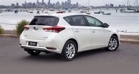 toyota corola 2016 toyota corolla hybrid hatch confirmed for australia