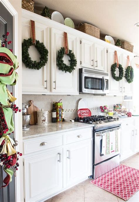 christmas kitchen decorating ideas 21 impressive christmas kitchen decor ideas feed inspiration