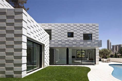 www freshome com extraordinary residential features embedding rock walls