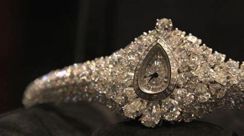 graffs diamond fascination  worlds  expensive transformable timepiece jewish business