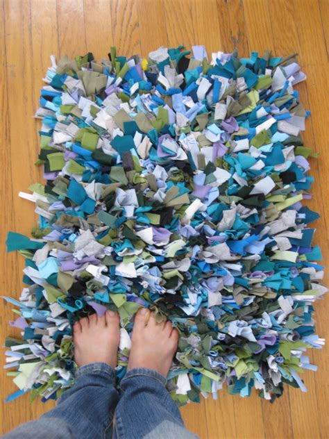 tshirt shag rug 40 creative ideas to repurpose and reuse your t shirts icreativeideas part 5