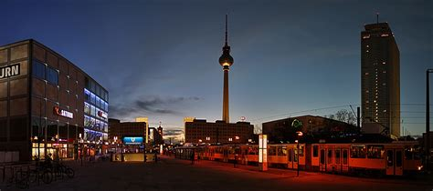 am alexanderplatz eines abends am alexanderplatz foto bild