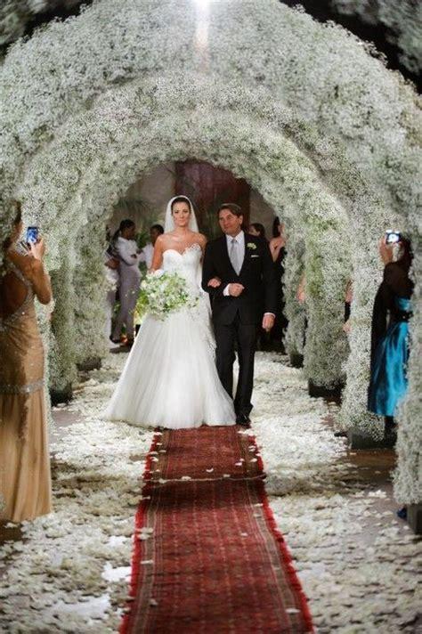 floral arches. #wedding #decor   Babys Breath Wedding
