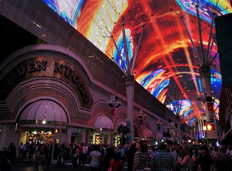 downtown vegas light show where is darren now july 2015