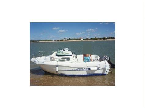 quicksilver 435 cabine en el rompido bateaux 224 moteur d