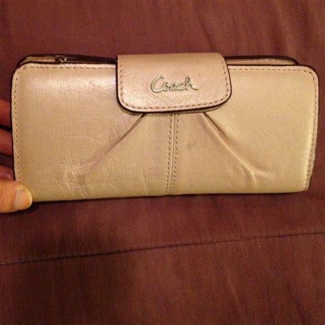 light pink coach wallet 49 off coach clutches wallets light pink coach wallet