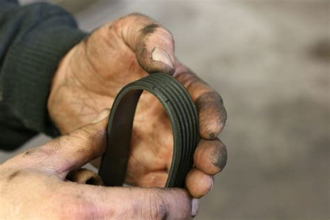 how to replace a serpentine belt toronto star how to replace a serpentine belt toronto star