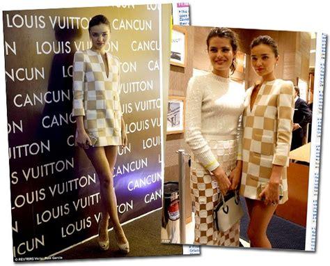 Tas Vogue K 27 xeque mate print quadriculado conquista famosas no tapete