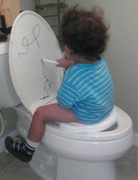 beat my on the toilet seat best potty idea potty plus pre