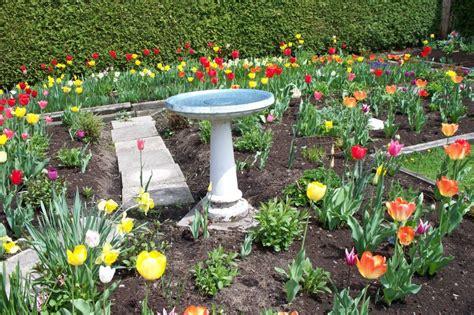 spring garden ideas spring garden ideas fun suitcase planters dump a day not
