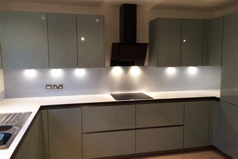 contemporary glass splashback kitchen kitchens kitchen modern kitchen glass splashback coloured in cloud glass