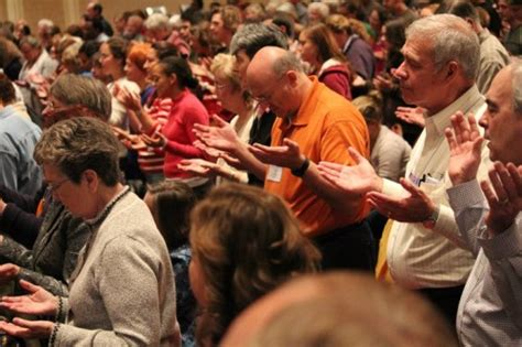 imagenes iglesia orando cinco buenas razones para orar en lenguas 187 foros de la