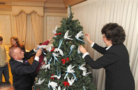 lancaster funeral home hosts memorial tree lighting