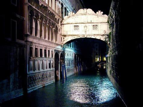 imposta soggiorno venezia venezia in arrivo la tassa ai turisti su malena per il mondo
