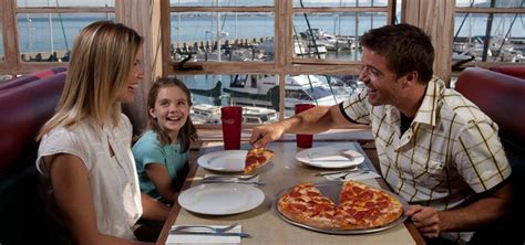 3 kid friendly restaurants on pier 39 family luigi s pizzeria and restaurant for pizza and italian at pier 39