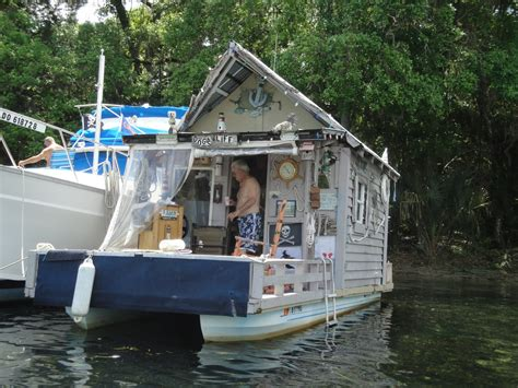 Handmade Houseboats - ten cool tiny houses shelters treehouses and