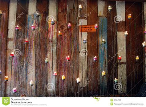 wand kerze wand mit holz und kerze stockfoto bild 41857559