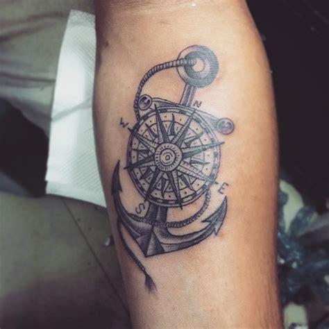 Tatuaggio Ancora Un Disegno Carico Di Significati E Tatto Bussola