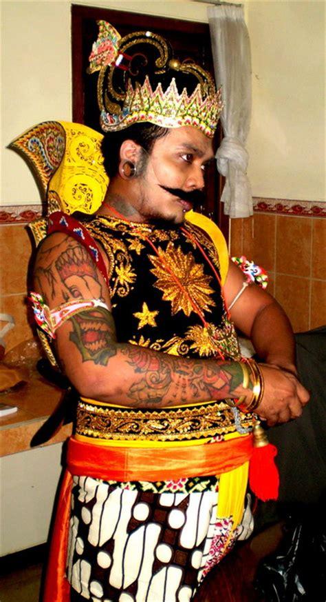 tattoo tidak haram fahmi rinaldi erix soekamti quot bercerita tentang tatto quot