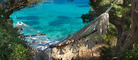 amaca sul mare incantevoli calette e spiagge romantiche in sardegna