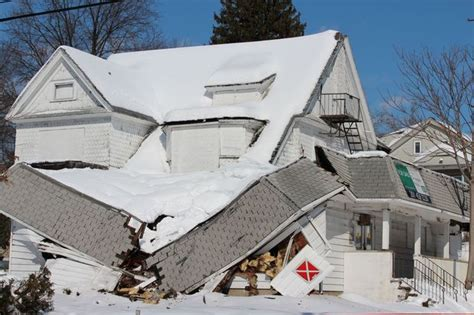 How Much Can You Bench Press Can Your Roof Withstand Winter S Snowy Fury
