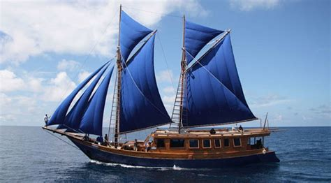 gambar transportasi kapal layar alat transportasi laut utama zaman dahulu