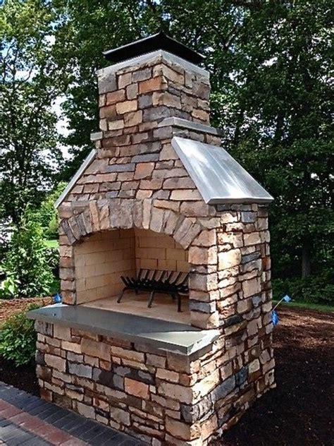 Veneer Outdoor Fireplace by 25 Best Ideas About Masonry Veneer On Brick