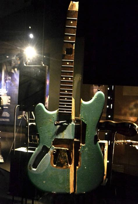 fenstermaße guitar kurt cobain smashed guitars