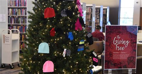 Wauconda Food Pantry by Wauconda Library Collecting Hats Gloves For Needy Residents