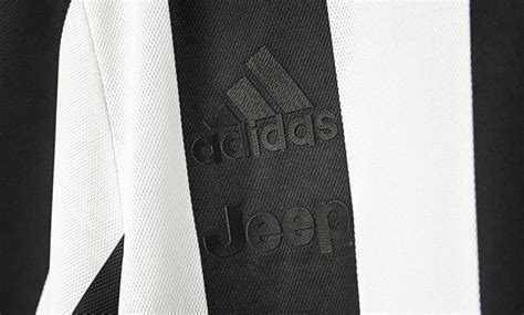Jersey Juventus Home Retro Juve Anniversary 120th 2017 2018 Grade Ori juventus 120th anniversary jersey revealed soccer365