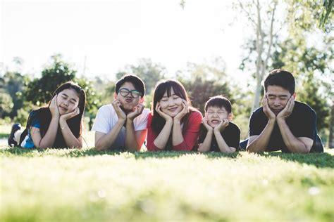 imagenes yoga en familia bienestar familiar 161 6 pr 225 cticas que ayudar 225 n a t 250 familia