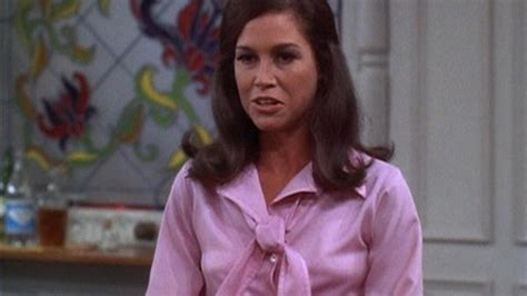 watch the mary tyler moore show s01e02 today i am a ma am
