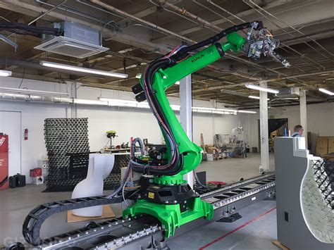 The World S Biggest Free Form 3d Printer Is Being Used To 3d House Building Printer
