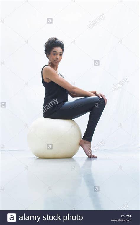 imágenes fitness mujer fitness im 225 genes de stock fitness fotos de stock alamy