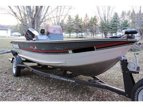 bass boat vs deep v 1990 tracker pro v deep powerboat for sale in wisconsin