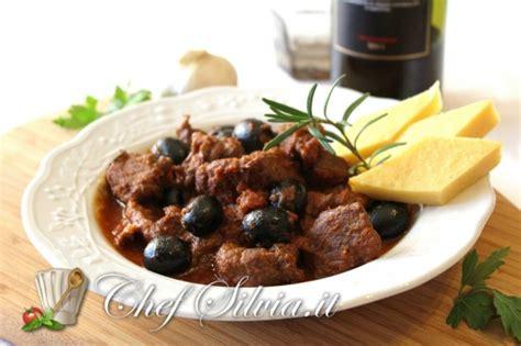 come si cucina il cinghiale in umido cinghiale in umido con olive
