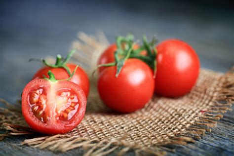 eating tomatoes cuts heart disease risk by a quarter eating tomatoes can cut skin cancer risk in half
