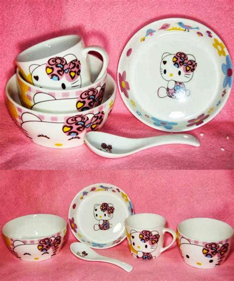 Gelas Karakter Hello Mug Keramik Sendok Keramik No 7547 hello indonesia aneka keramik