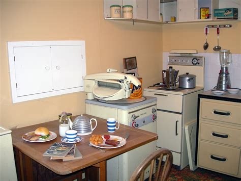 1950s kitchens 1950 s room settings e2bn gallery