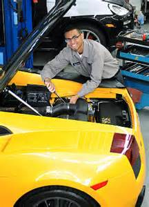 Lamborghini Mechanic Auto Mechanics Prosper Amid Car Sales Ny Daily News