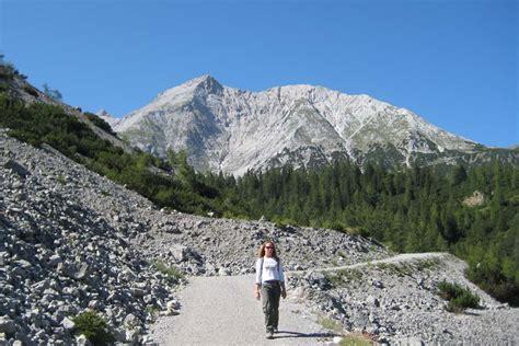 winterurlaub alpen hütte wanderung pfeish 252 tte aus dem halltal karwendelgebirge