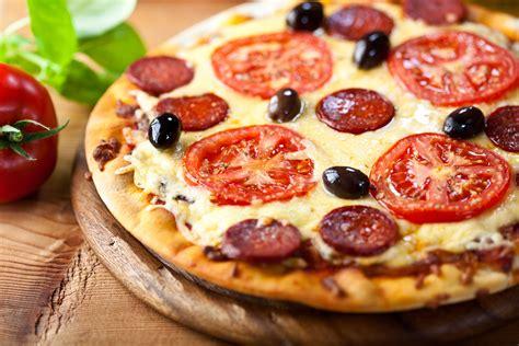 recette pizza italienne maison cuisine recettes de pizza italienne et de chaussons