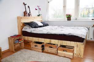 Pallet wood king size bed with drawers amp storage pallet ideas