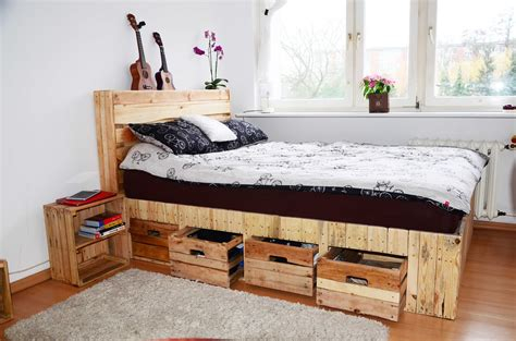 bed on pallets pallet wood king size bed with drawers storage 1001