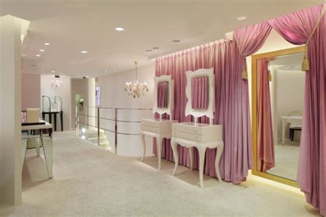 Boutique Decoration Interieur by Boutique Interior Design