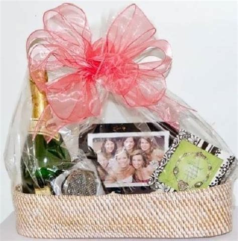 cool wedding shower gift ideas unique bridal shower gift basket ideas 99 wedding ideas