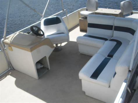 Pontoon Boat Interior by Boat Rentals In Astor Florida Fishing Castaways On