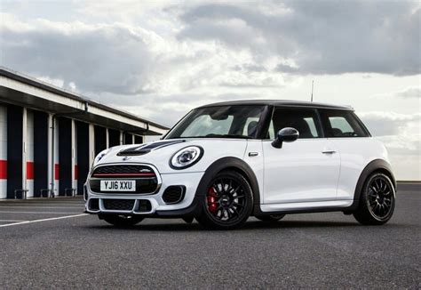 Mini Cooper Works by 2017 Mini Cooper Works Challenge Oopscars